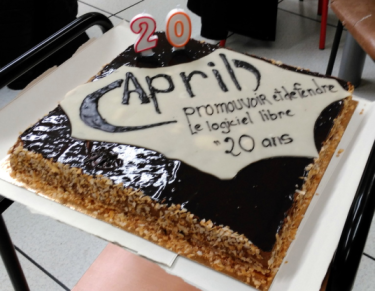 Photo du gateau des 20 ans de l'April